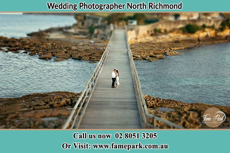 Photo of the Groom and the Bride at the bridge North Richmond NSW 2754
