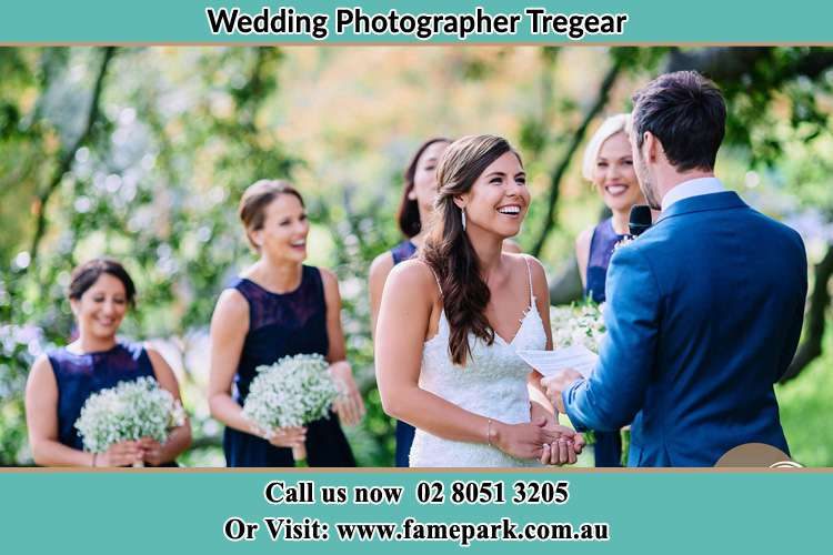 Photo of the Groom testifying love to the Bride Tregear NSW 2770